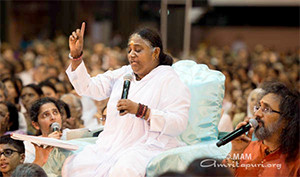 Amma's 2015 New Year Message – How can I put an end to suffering?