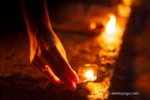 hand lighting puja lamp