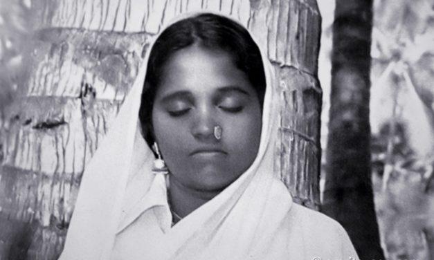 Yoga is Feeling Oneness With God