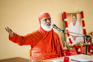 amma disciple swami amritageetananda giving talk
