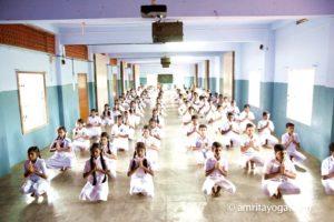Amrita yoga program at Puthiyakavu for young people