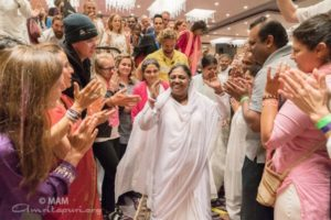 amma arriving at program in los angeles