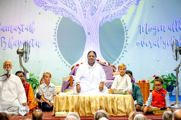 The Key Aspects Leading to the Goal of Ashtanga Yoga