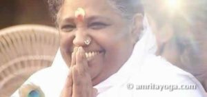 amma smiling and namaste