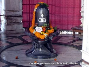 shiva linga with garland